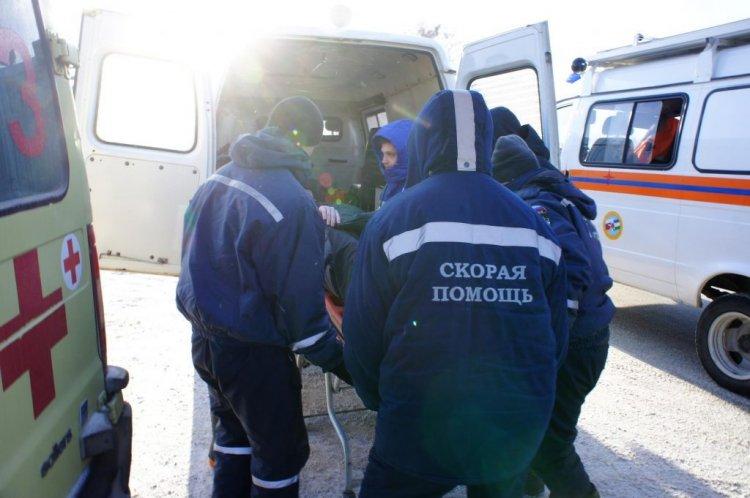 В Уфе спасатели достали девушку из покореженного BMW