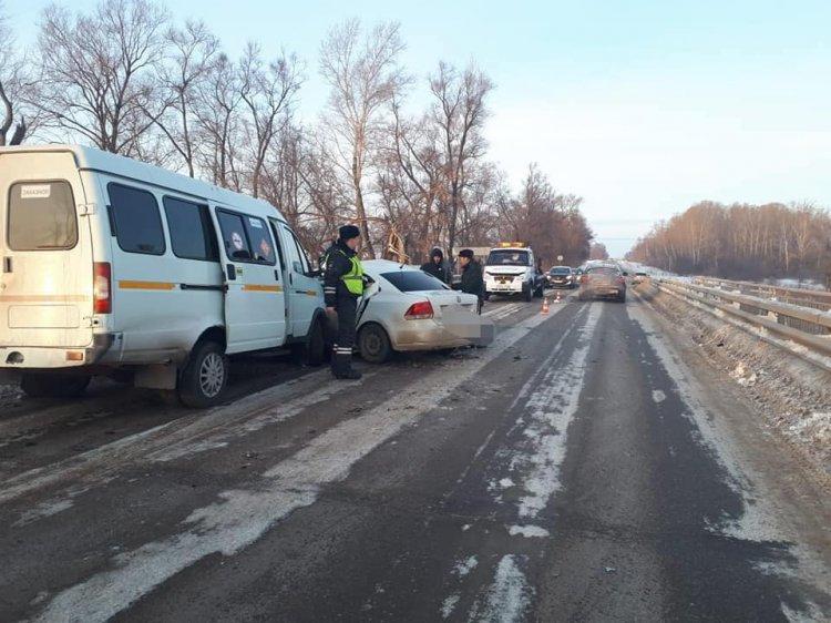В Башкирии водитель «Газели» спровоцировал массовое ДТП, есть пострадавшие
