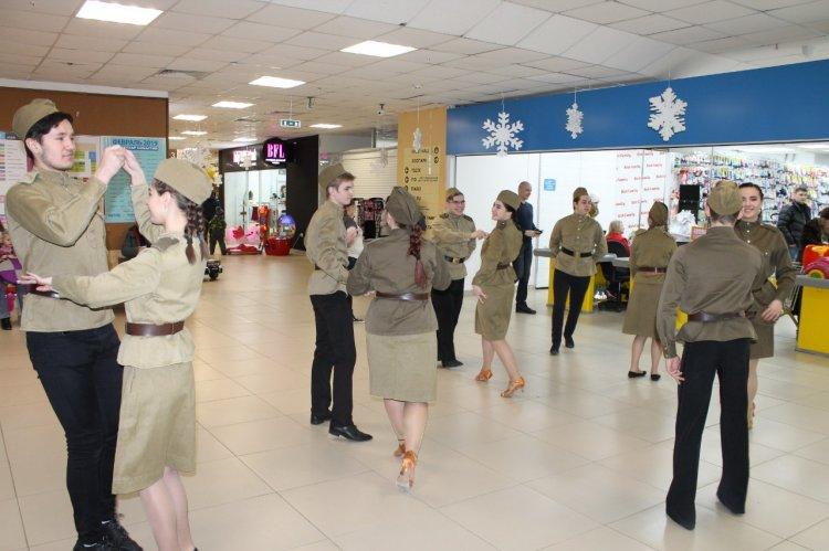 Команда «Молодежки ОНФ» в Республике Башкортостан присоединилась к акции «Случайный вальс»