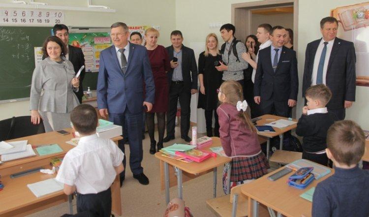 Для стерлитамакских учеников двери распахнула новая школа №23