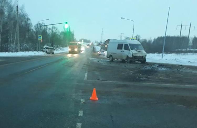 В Башкирии в ДТП пострадал водитель Skoda Yeti, который не уступил дорогу фургону