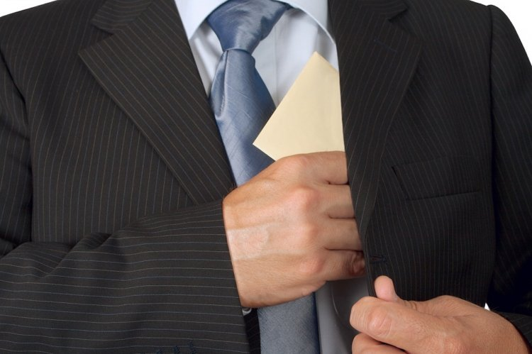В Башкирии следователя МВД поймали на взятке