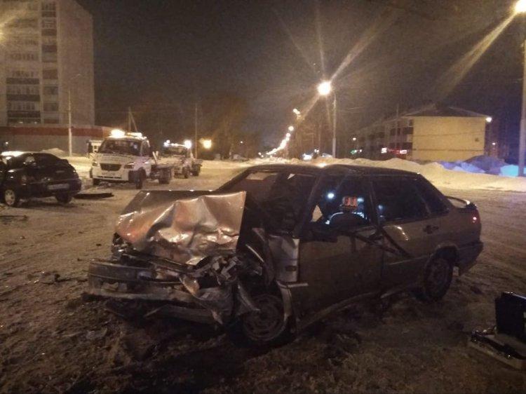 В Стерлитамаке водитель спровоцировал крупное ДТП и сбежал, бросив авто