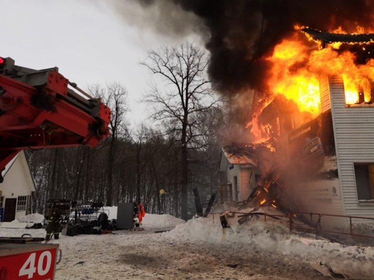 В Башкирии произошел пожар на горнолыжном комплексе «Куштау»