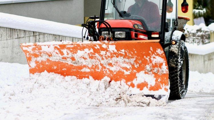 Уфимский мэр поручил чиновникам очистить тротуары от снега