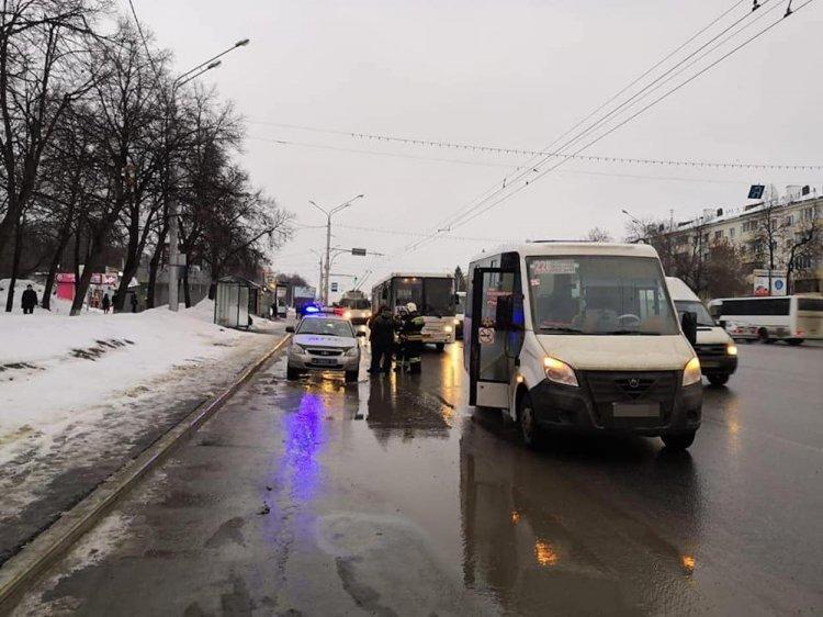 В Уфе столкнулись два пассажирских автобуса