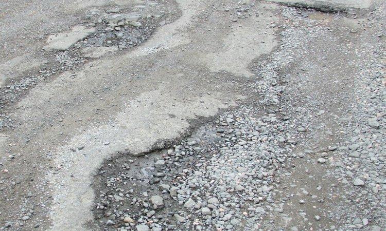 Радий Хабиров подверг жесткой критике чиновников, не справившихся с ямочным ремонтом