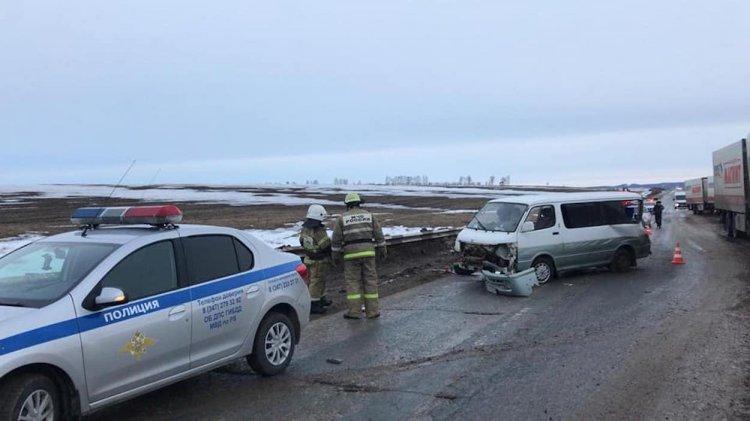 Смертельное ДТП в Башкирии: минивэн протаранил дорожное ограждение