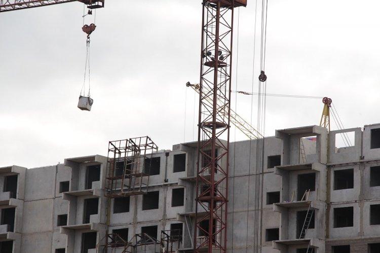 В Башкирии строителя придавила бетонная балка, слетевшая с 8-го этажа