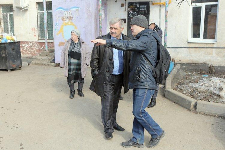 Михаил Закомалдин встретился с уфимцами, которые жаловались на антисанитарные условия проживания