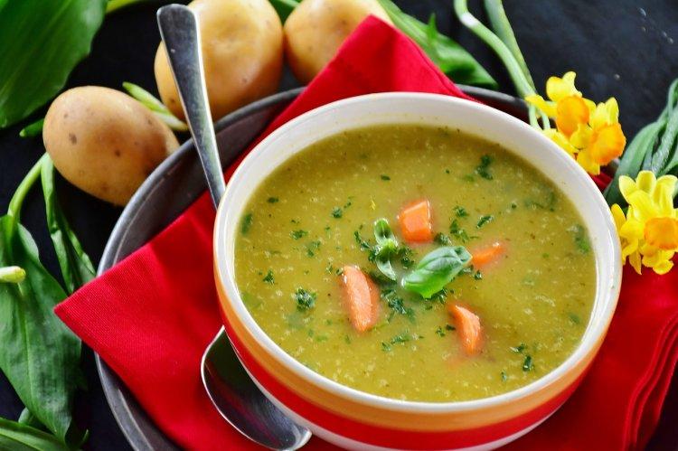 Диетологи рассказали, какие в России супы полезные, а какие - нет