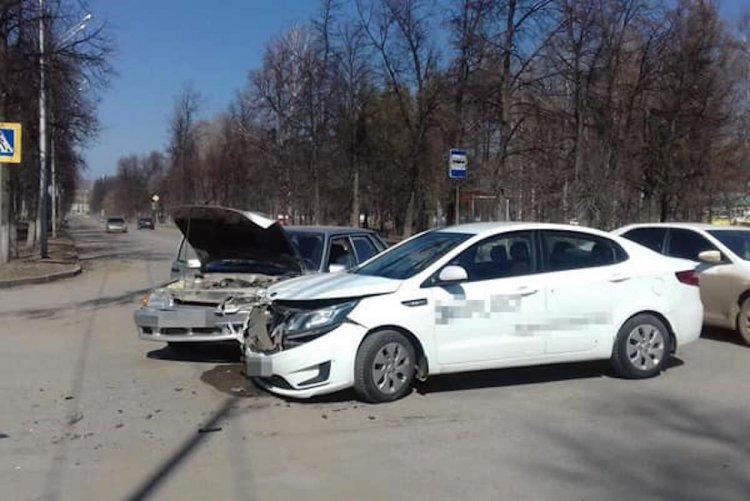 ДТП в Башкирии: водитель Kia Rio не уступил дорогу ВАЗ-2115