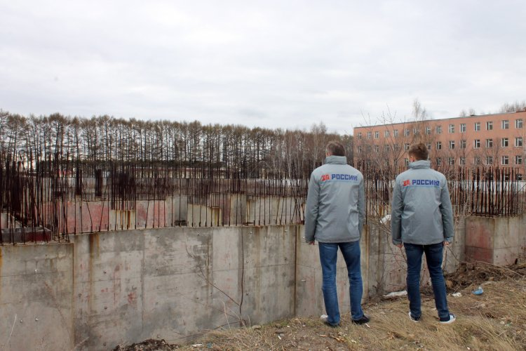 Активисты ОНФ призвали власти Уфы ограничить доступ к недостроенным зданиям