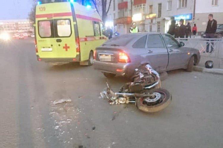 В Уфе 32-летний байкер пострадал при столкновении с автомобилем