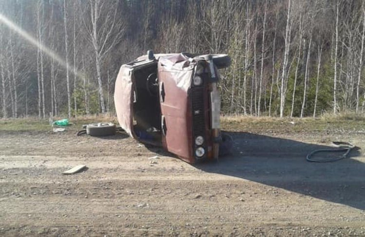 В Башкирии 63-летний водитель «опрокинул» свою «шестёрку»