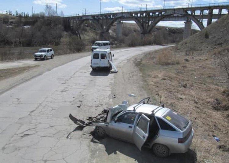 Смертельное ДТП: В Башкирии ВАЗ-2112 врезался в пассажирскую «ГАЗель»