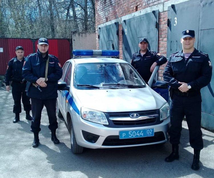 В Башкирии росгвардейцы задержали компанию молодых людей, напавшую с ножом на мужчину