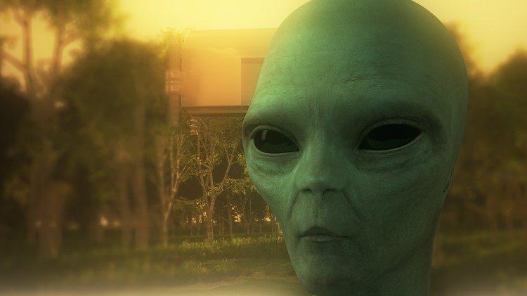 Профессор Оксфорда заявил, что инопланетяне уже среди людей