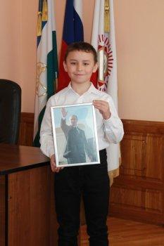 Мальчик из Башкирии получил подарок от Владимира Путина