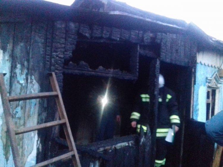 В Башкирии при пожаре погибли женщина с двумя детьми