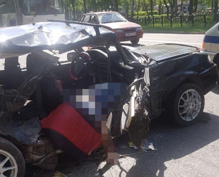 В Стерлитамаке росгвардейцы оказали помощь пострадавшим в страшном ДТП