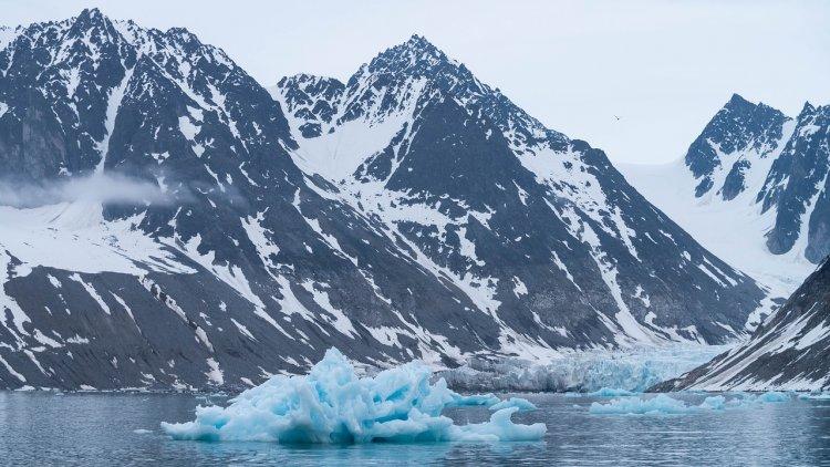 Уфологи в Антарктиде обнаружили портал в параллельные миры