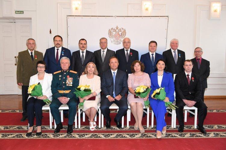 Игорь Комаров наградил учителя физкультуры из Башкирии