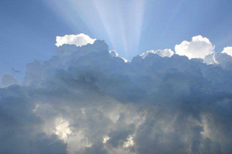 Начался сезон наблюдения за серебристыми облаками