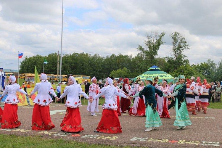 В Стерлитамакском районе прошел традиционный праздник Сабантуй-2019