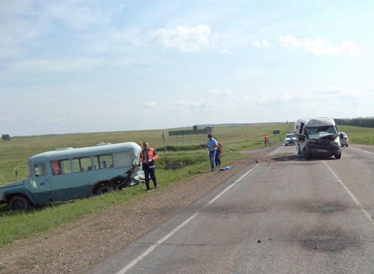 В Башкирии столкнулись два автобуса, есть пострадавшие