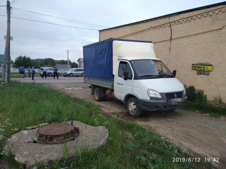 В Башкирии грузовик сбил двух детей: погибла 1,5-годовалая девочка