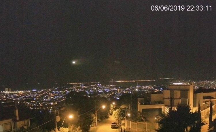 В небе над Бразилией замечен необычный метеорит, уфологи заявили об инопланетянах