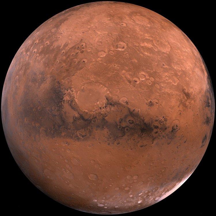 Таинственный шестигранник: уфологи строят предположения о необычном сооружении на Марсе