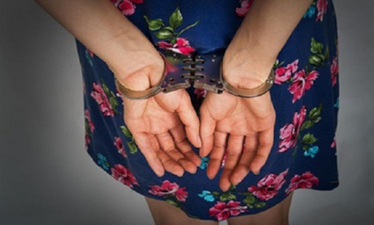 Луизу Хайруллину из Салавата, подозреваемую в краже из банка 25 миллионов, задержали