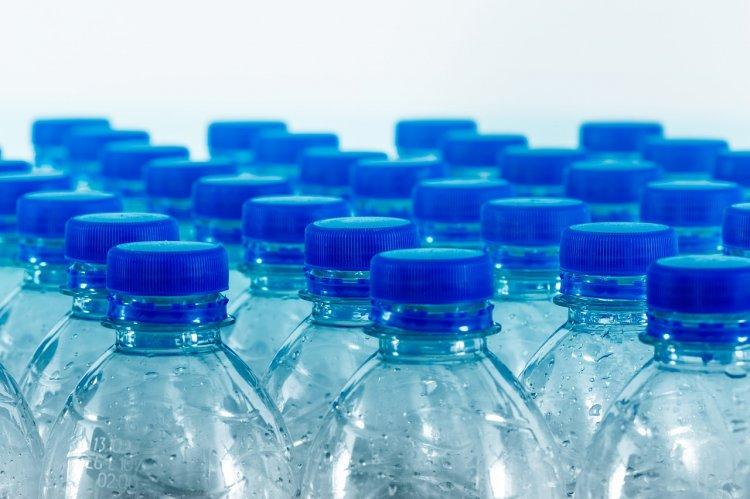 Росконтроль назвал самую безопасную бутилированную воду без газа
