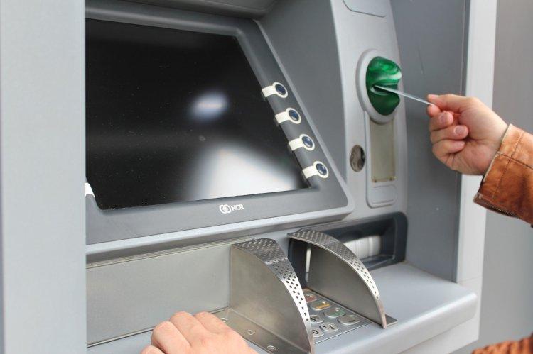 Сбербанк рекомендует осторожнее пользоваться банкоматами