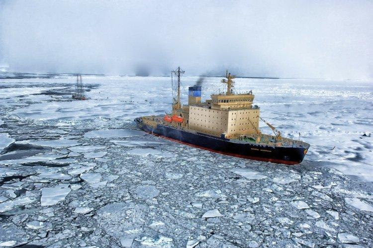 Ученые бьют тревогу: Антарктида грозит катастрофой всей планете