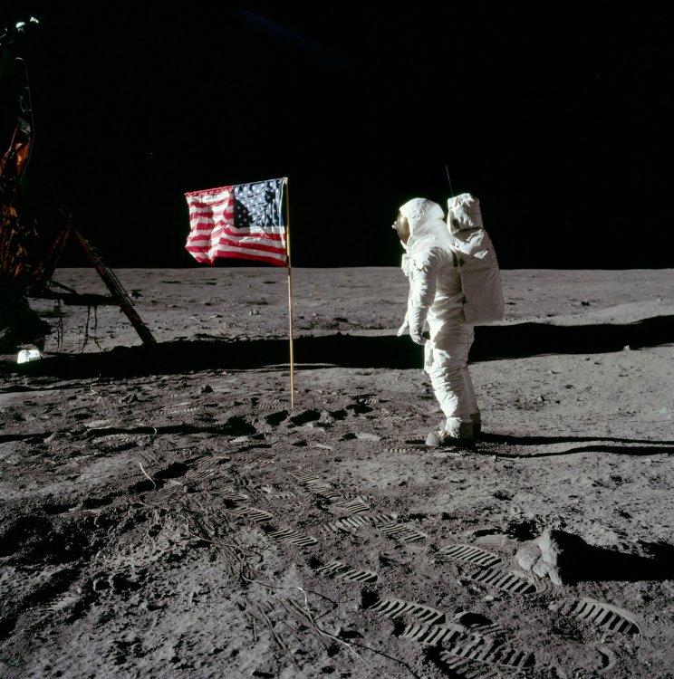 NASA удалило все свидетельства об инопланетянах, сделанные миссией «Аполлон-11»