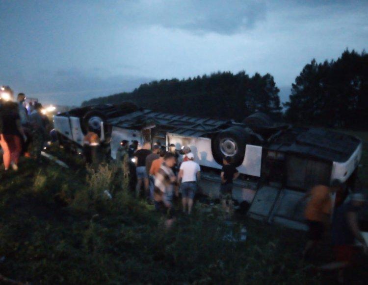 В Башкирии опрокинулся автобус с 39 пассажирами, 6 человек погибли