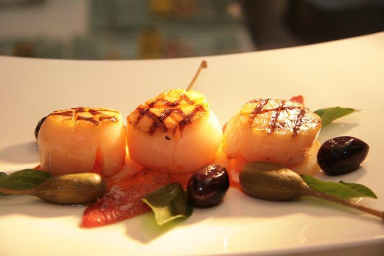 Диетолог назвала морепродукты, помогающие похудеть