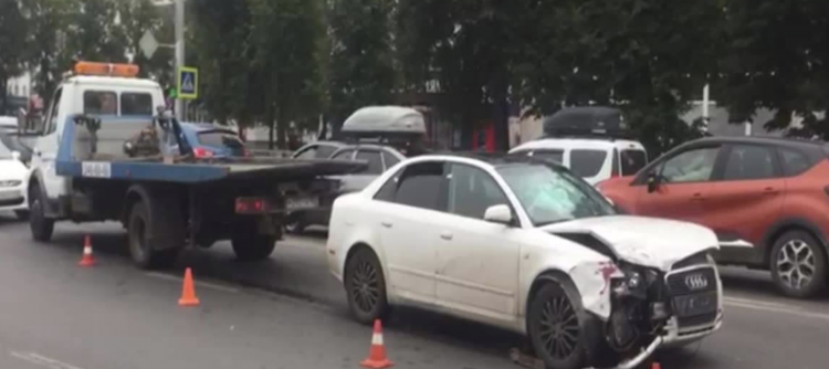 В Уфе задержана пьяная автоледи за рулем Audi, неоднократно нарушившая ПДД