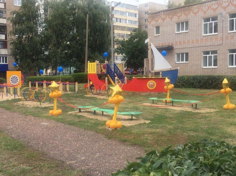 В детском саду Салавата в рамках «Реальных дел» установили новый игровой комплекс