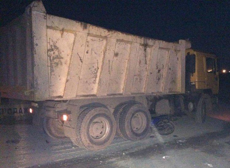 В Башкирии грузовой автомобиль протаранил мопед с подростками