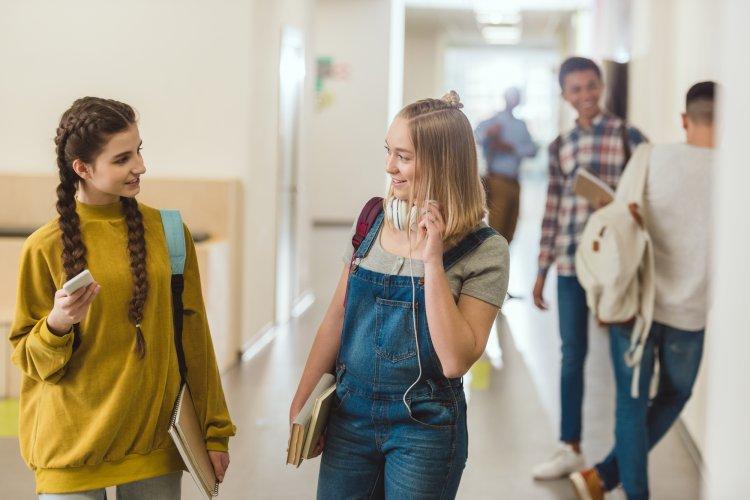 Мобильные телефоны в школах могут оказаться под запретом