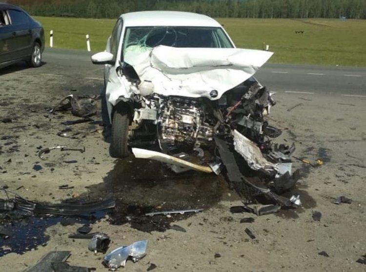 В Башкирии Skoda Rapid не уступила дорогу Volkswagen Passat, четверо пострадали