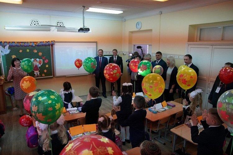 Игорь Комаров и Радий Хабиров поздравили учащихся Башкирии с Днём знаний