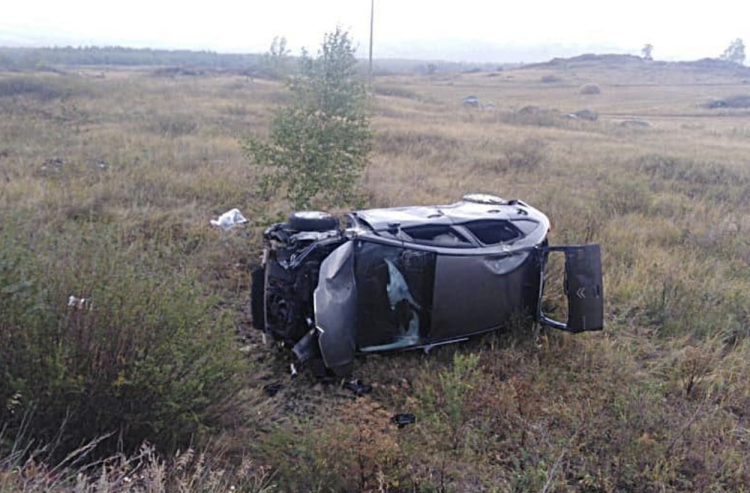 В Башкирии две автоледи не справились с управлением и оказались в кювете