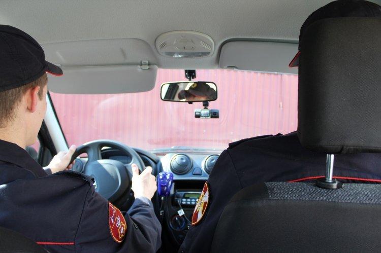 В Стерлитамаке сотрудники Росгвардии задержали подозреваемых в грабеже магазина