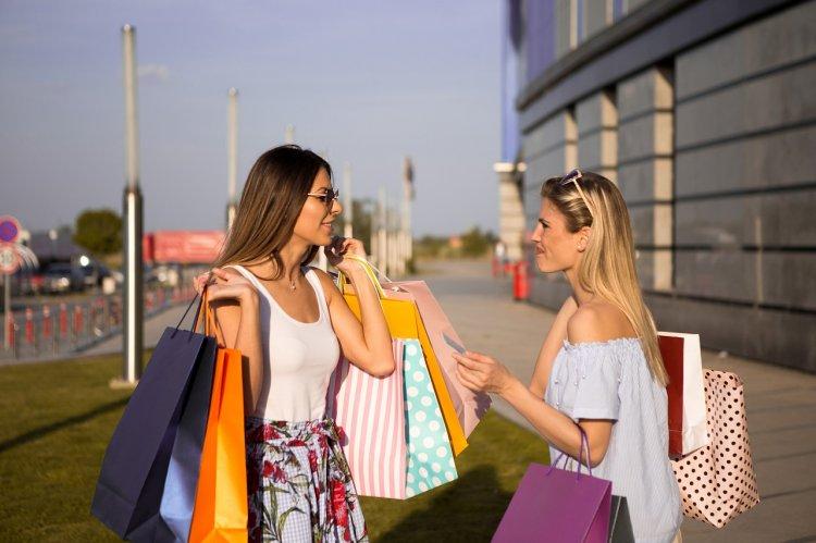Замужние женщины чаще остальных пользуются кредитками