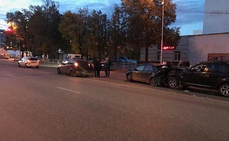 В Уфе в массовом ДТП по вине пьяного водитель пострадали трое взрослых и двое детей
